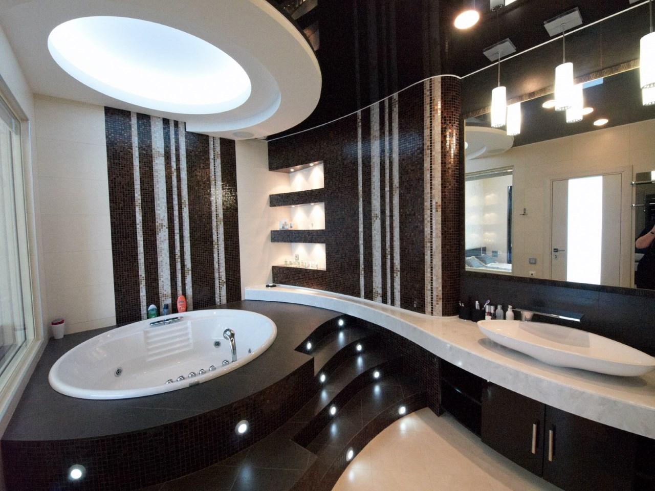 Ванная комната с видом на море