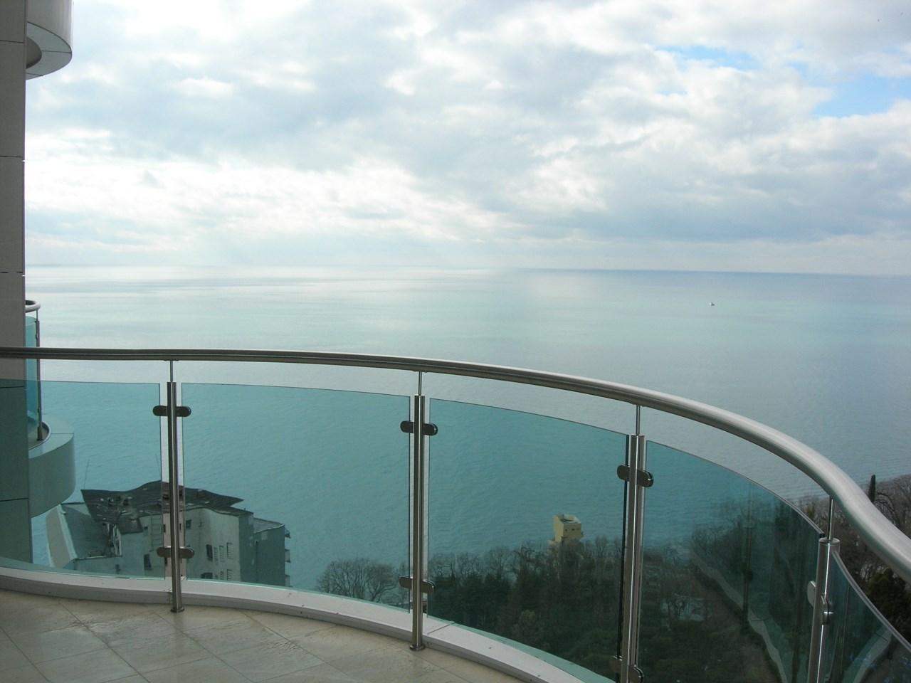 Балкон с видом на черное море