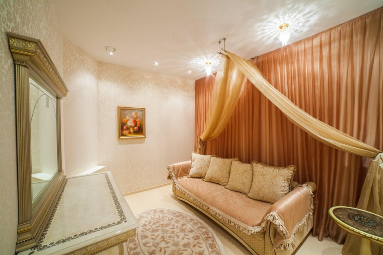 Комната с роскошной мебелью