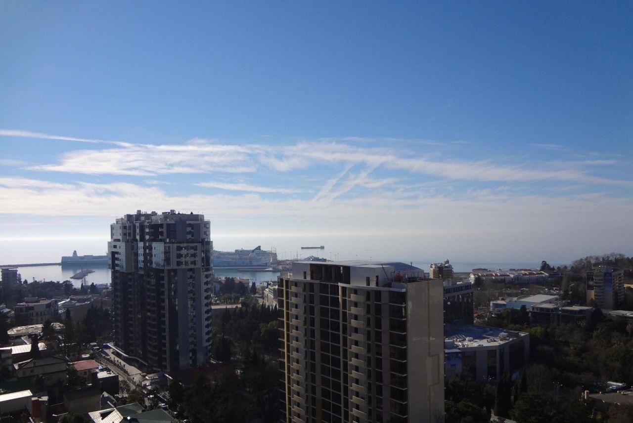 Вид на море и город