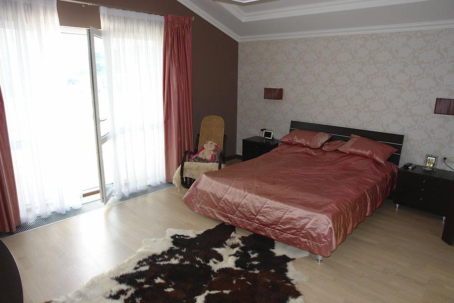 Спальная с выходом на террасу