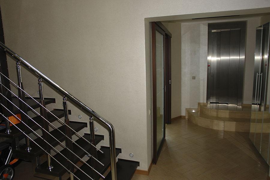 В квартире лифт