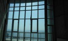 Витраж с видом на море