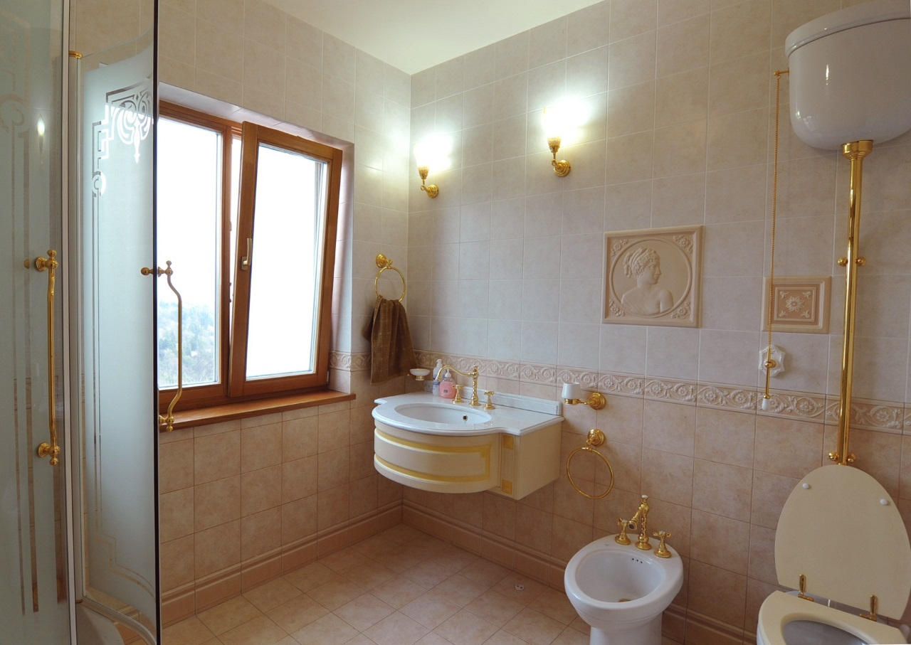 Туалет с окном