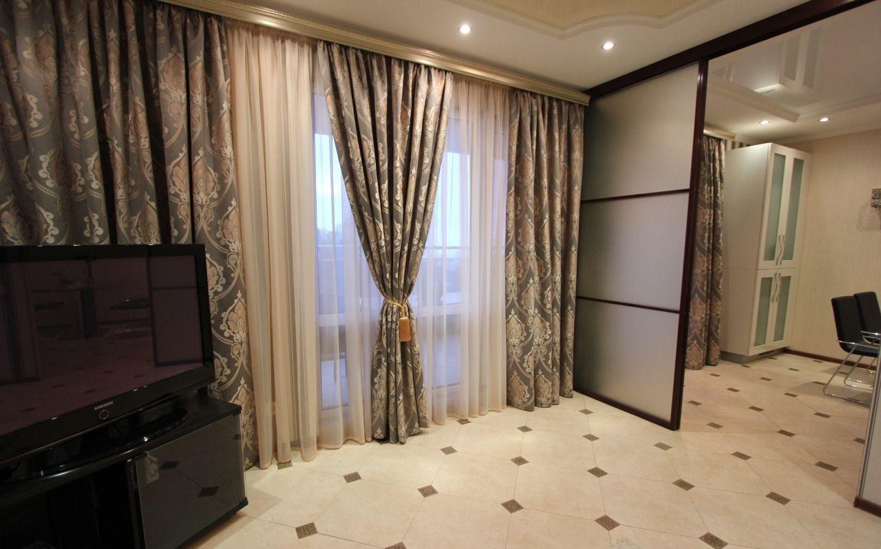 Шикарные шторы в гостиной