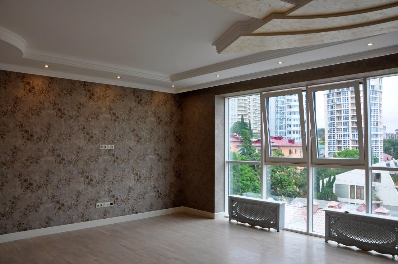 Комната с большим балконом