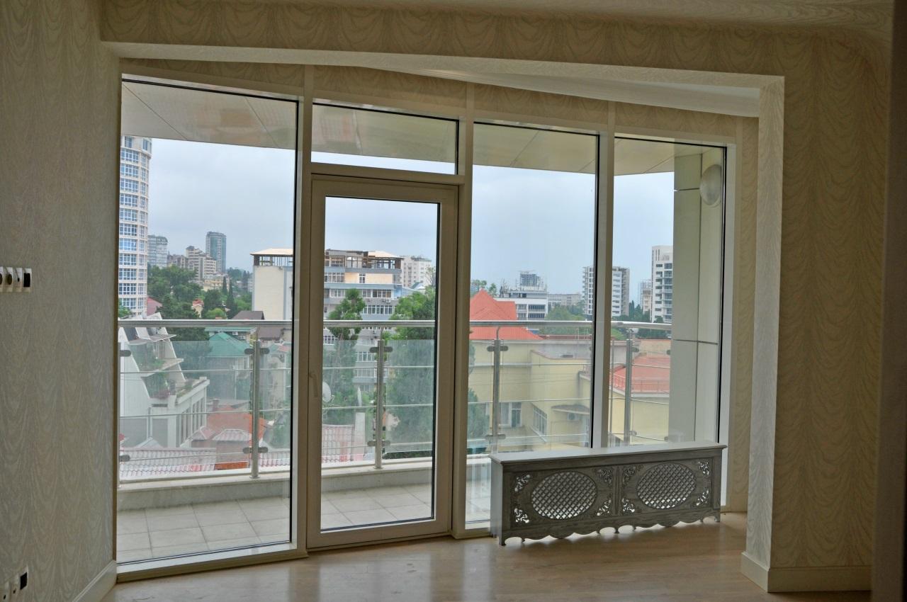 Квартира с просторным балконом