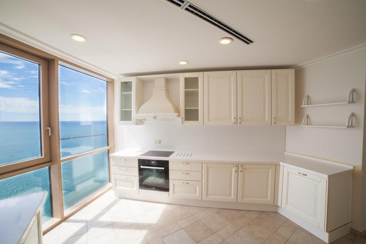 На кухне панорамные окна