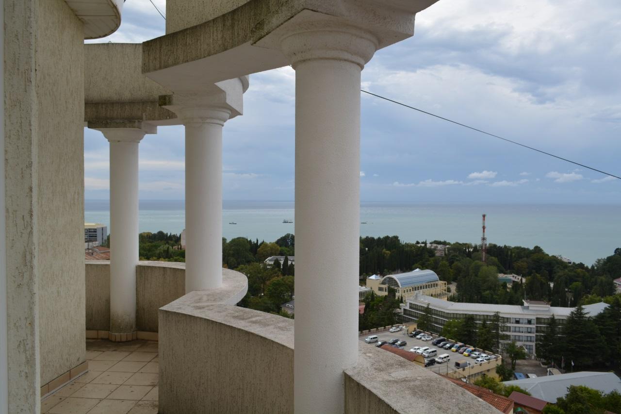 Терраса с колонами