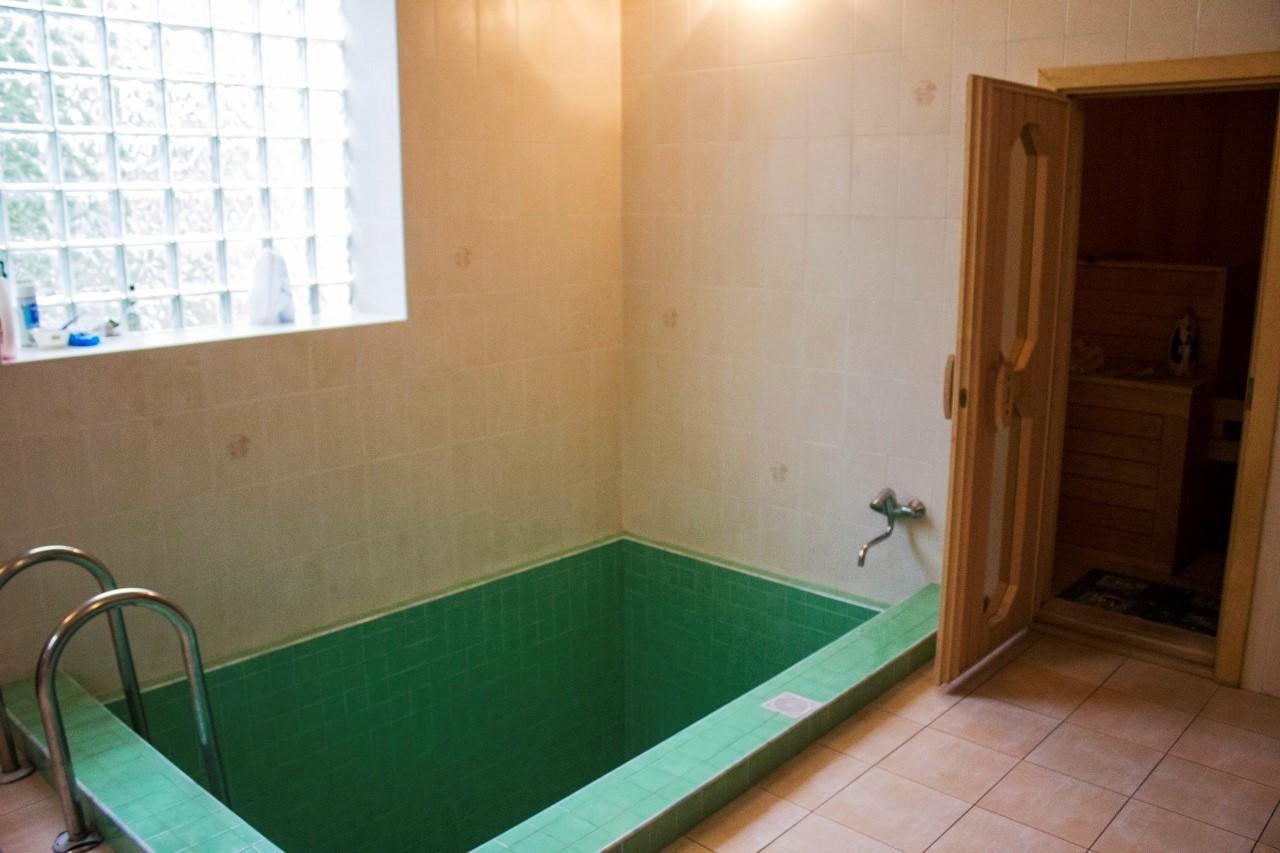 Глубокий бассейн