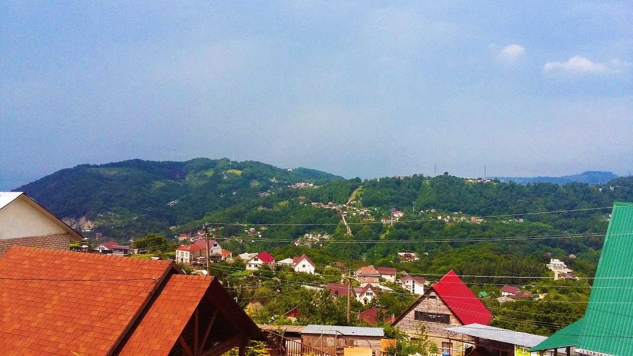 Вид на зеленные горы