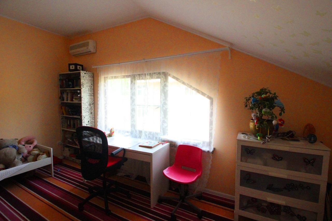 Комната с рабочей зоной