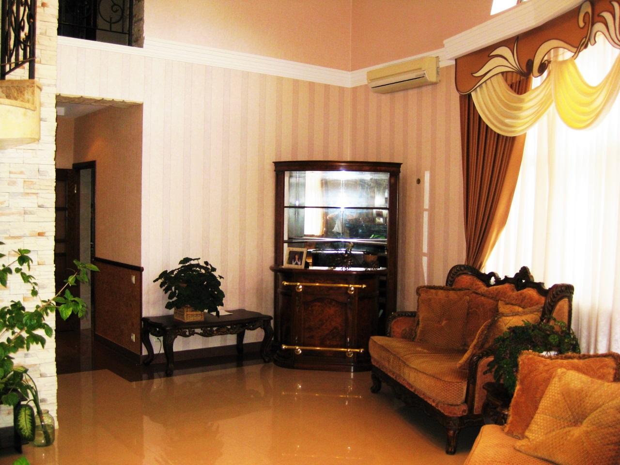 Зал с классической мебелью