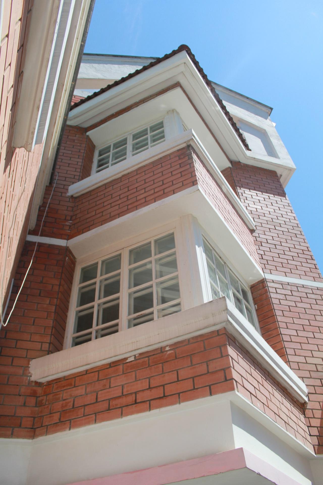 Угловые окна