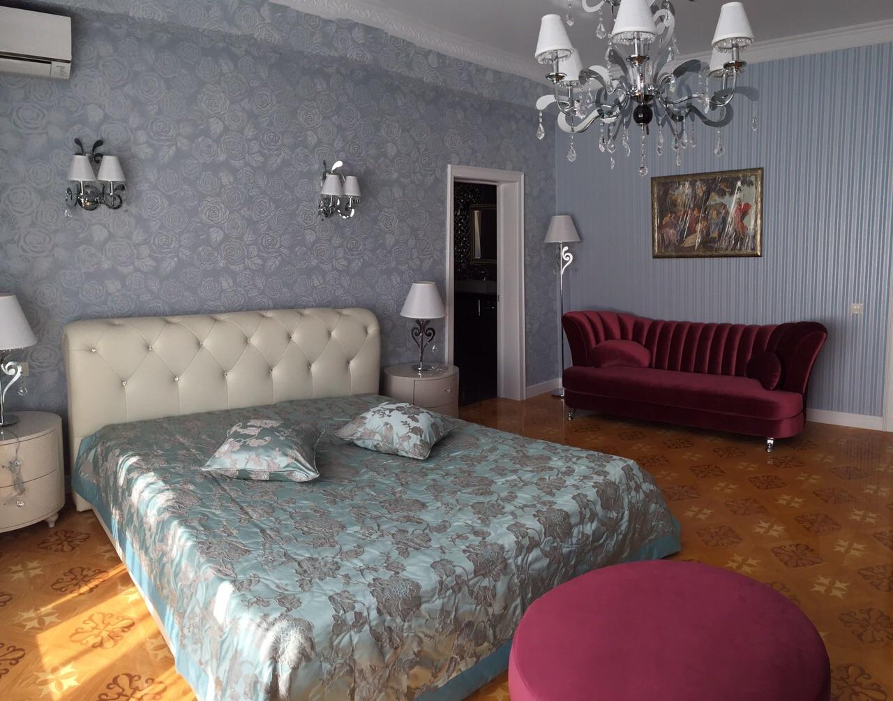 Спальная с диваном