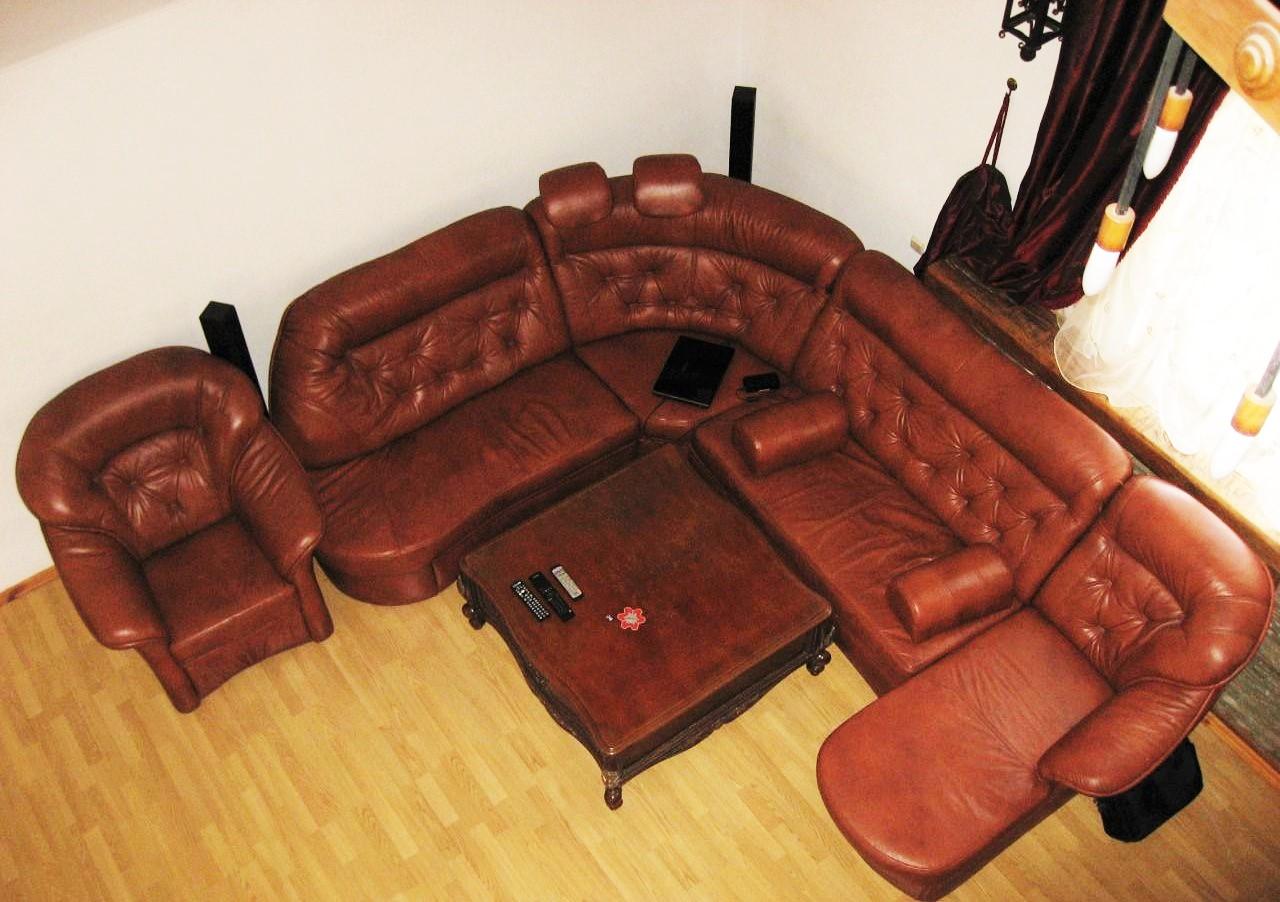 Просторный угловой диван