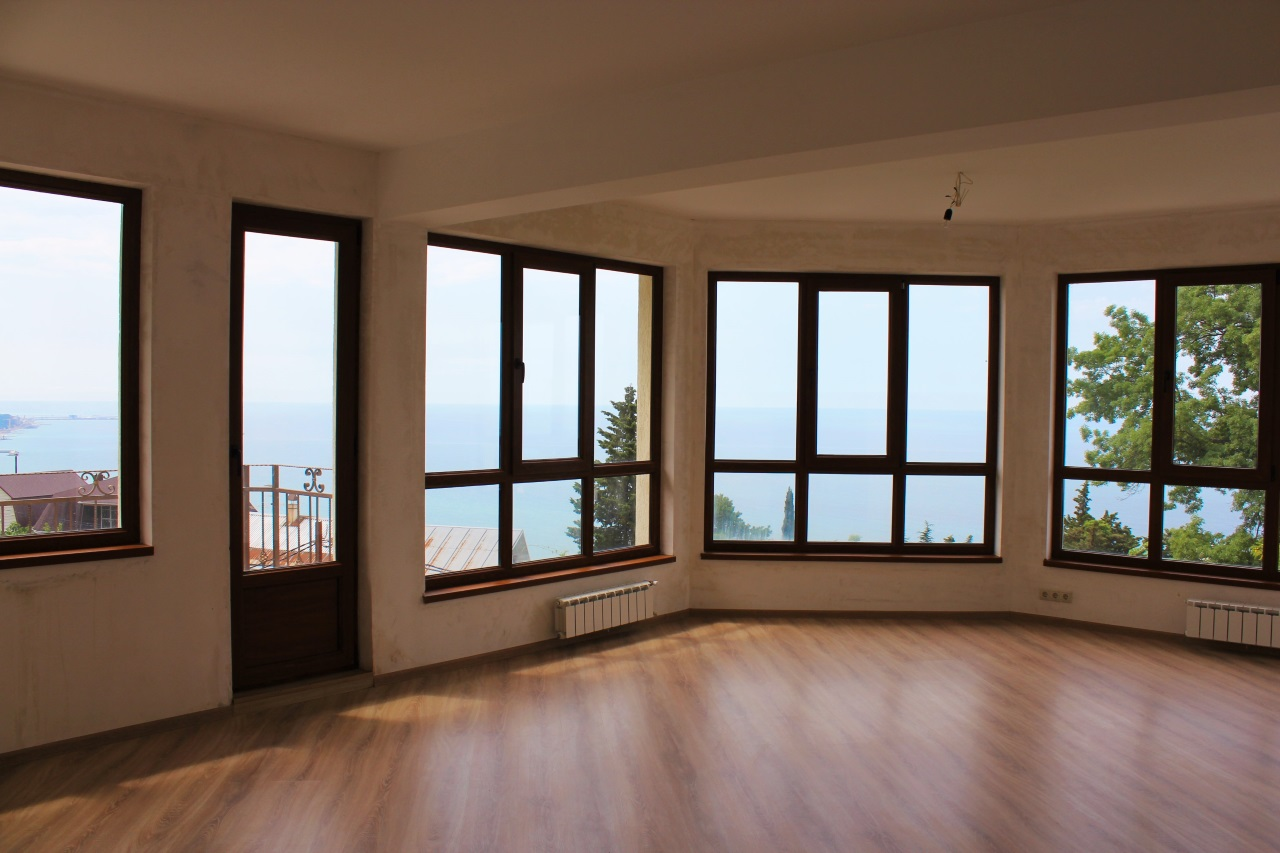 Комната с балкона
