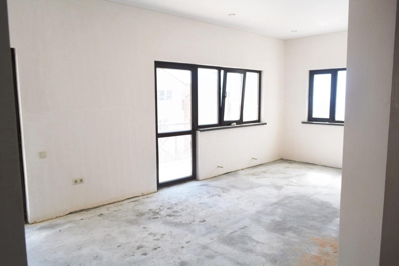 Комната с 3-мя окнами