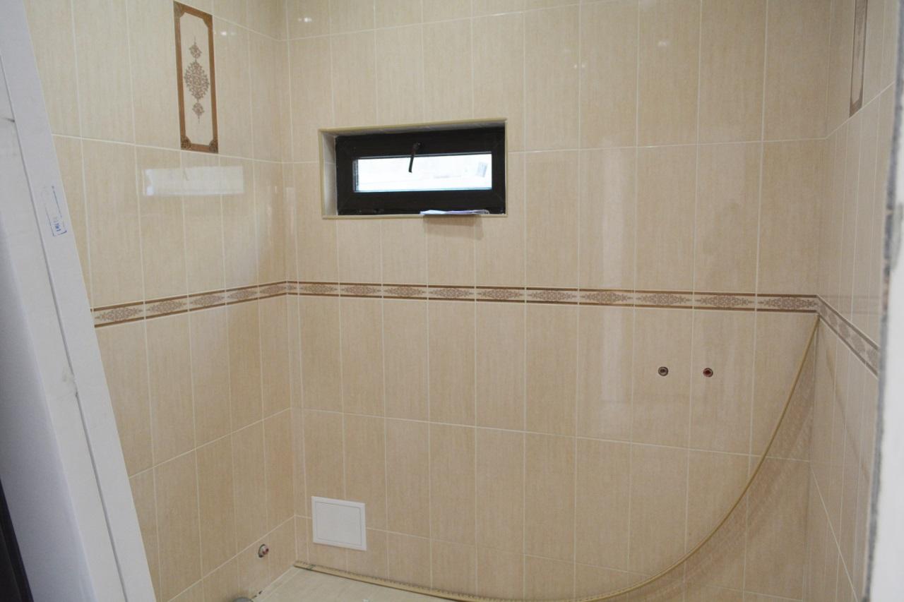 Ванная отделана плиткой