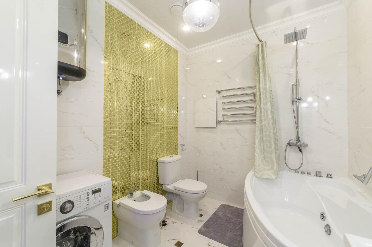 Уютная ванная с джакузи