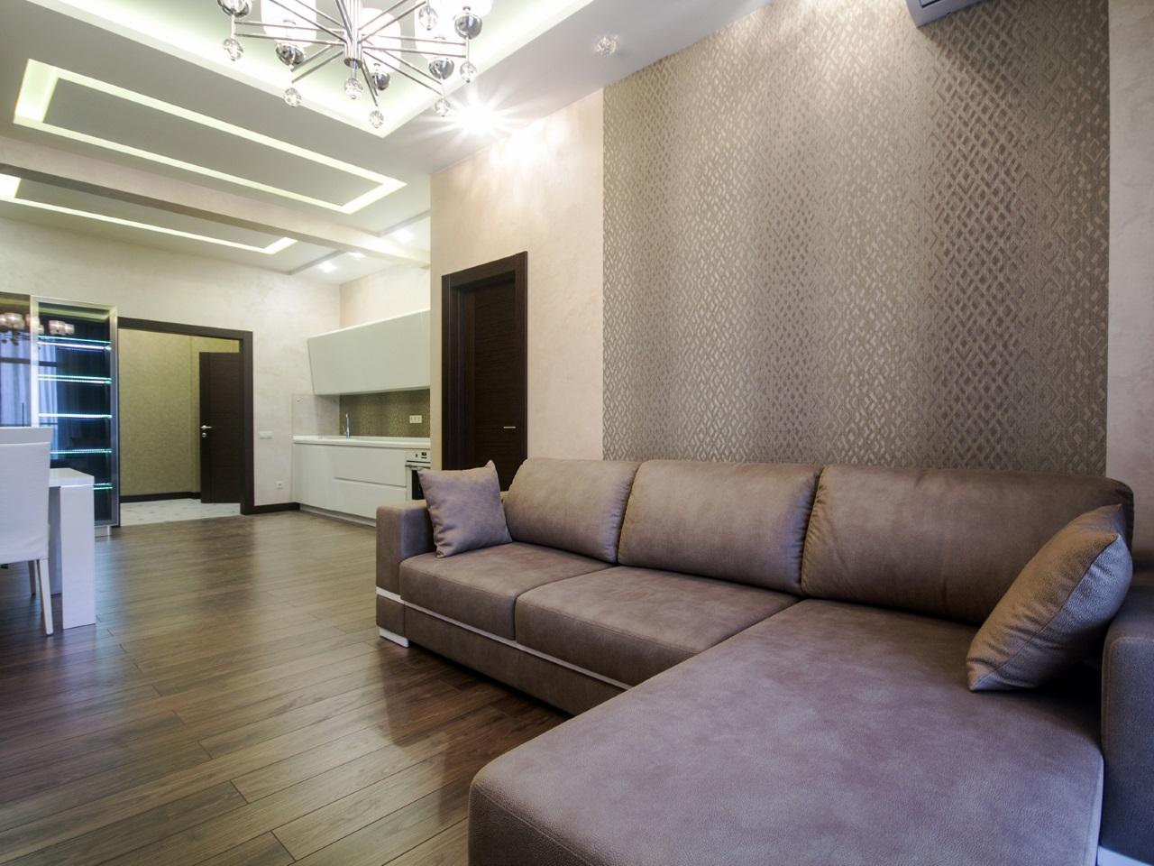 Гостиная с большим угловым диваном