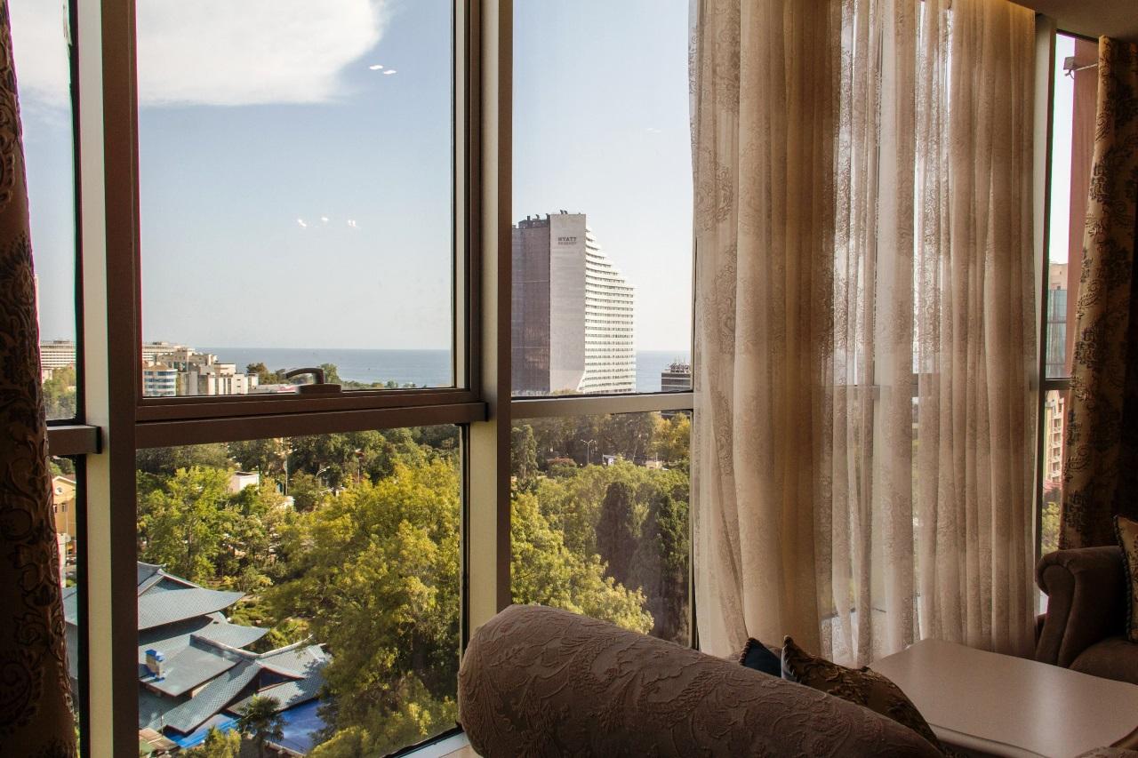 Панорамные окна от пола до потолка
