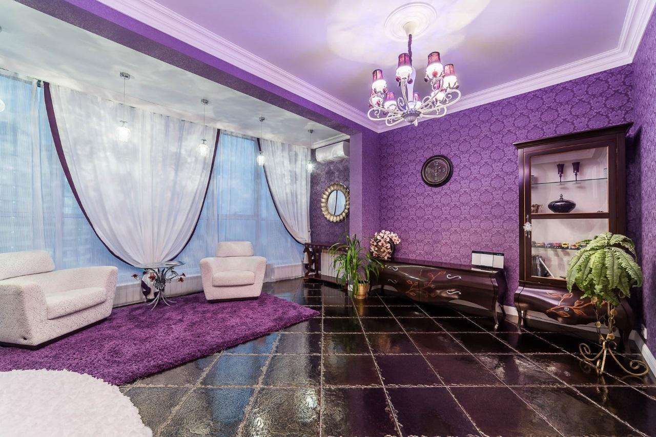 Больная спальная в фиолетовых тонах